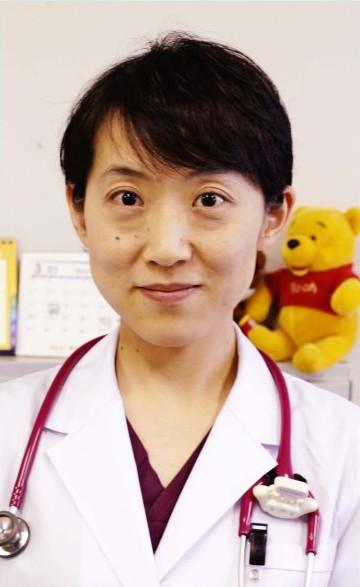 こばやし・あんなさん 2002年東京女子医科大卒、同年、山梨医科大(現山梨大)小児科入局、同大付属病院、山梨厚生病院、県立中央病院新生児科勤務などを経て、2015年から現職。日本小児科学会専門医、日本小児腎臓病学会員、日本小児感染症学会員、笛吹市出身。