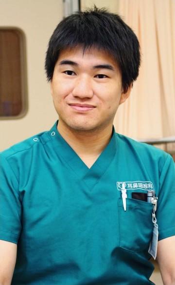 わたなべ・ひろゆきさん 2009年山梨大医学部卒。11年に同大耳鼻咽喉科・頭頸部外科に入局。15年から県立中央病院。日本耳鼻咽喉科学会専門医。栃木県出身。