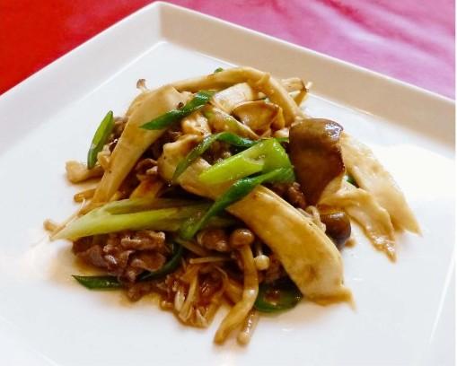 キノコと牛肉の中華炒め
