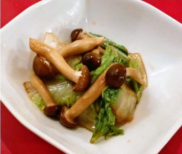 シメジと白菜の炒め煮