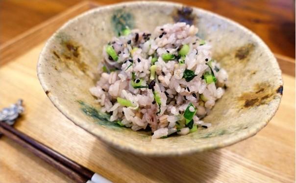 黒米の小松菜めし