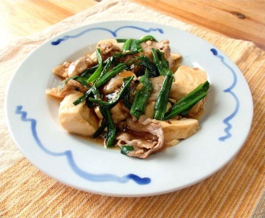 豆腐とニラの煮込み