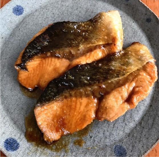幼稚園給食で人気! 鮭の照り焼き