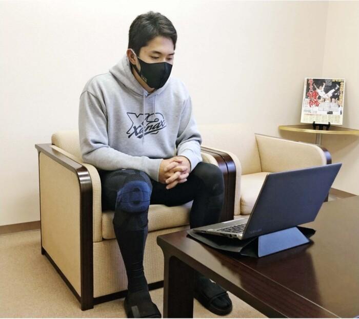 オンライン取材に応じる阪神の奥山皓太外野手(球団提供)