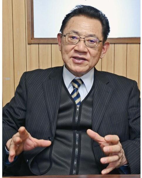 渡辺明雄(わたなべ・あきお)氏 北富士工高卒業後、地元の家電販売会社に入社。1983年にコミヤマエレクトロンを立ち上げた。鳴沢村出身、在住。70歳。