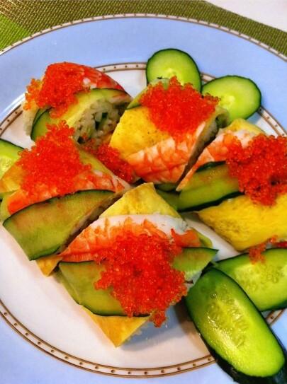 彩りきれいなロールきゅうり寿司