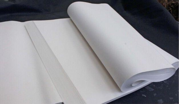 書道用画仙紙。手すきの技術が柔らかい風合いと墨のにじみの美しさを生む
