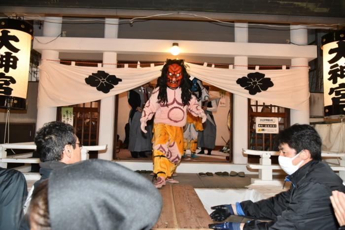 柳町大神宮節分会で鬼に扮する吉字屋本店社員ら(2月3日、写真提供:吉字屋本店)