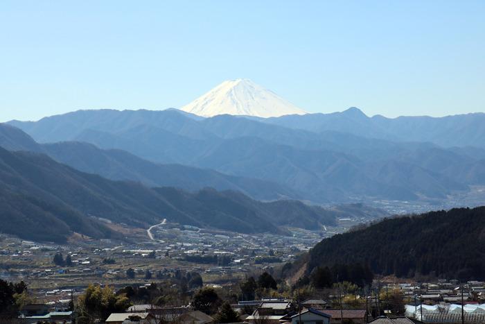 交流棟2階から望む富士山