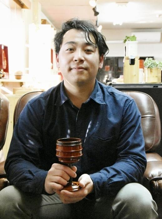 新たな紀州漆器の在り方を模索する島圭佑(しま・けいすけ)さん