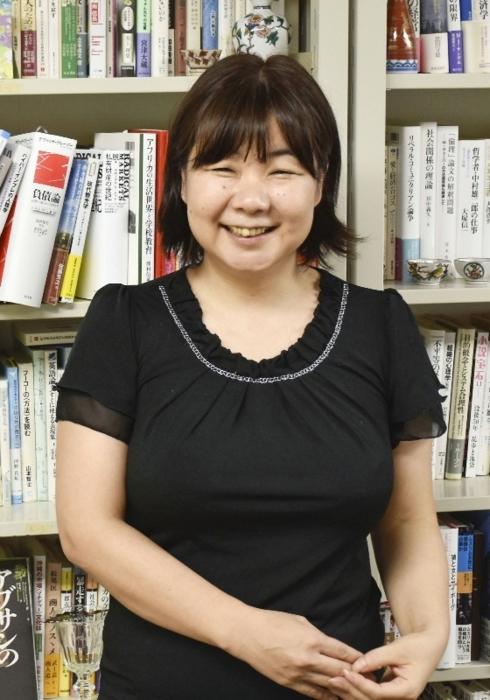 大宅賞と河合賞を受賞した人類学者で立命館大教授の小川(おがわ)さやかさん