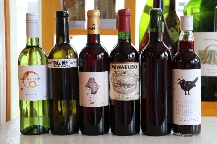 ワインセットの組み合わせ例。ワイン5本、ジュース1本が入っている