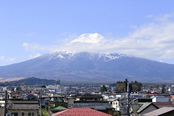 〈1〉きょうの富士山(4月12日)