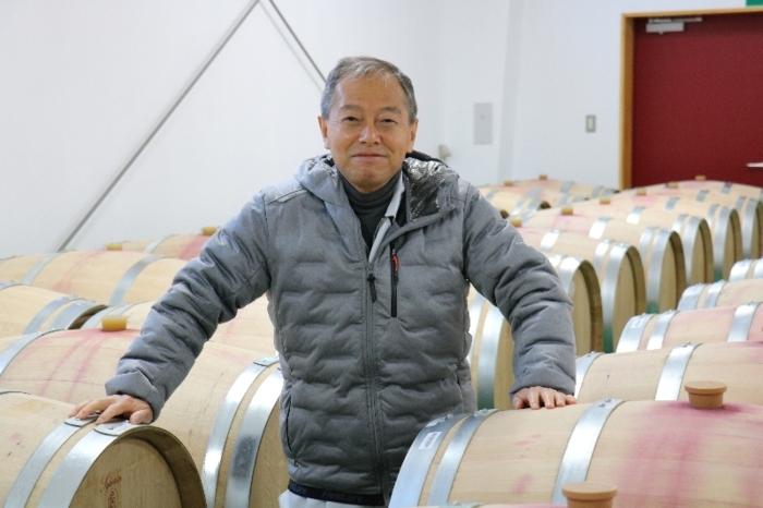 「最高級の赤ワインを造っていきたい」と話すワイン醸造家の味村興成さん