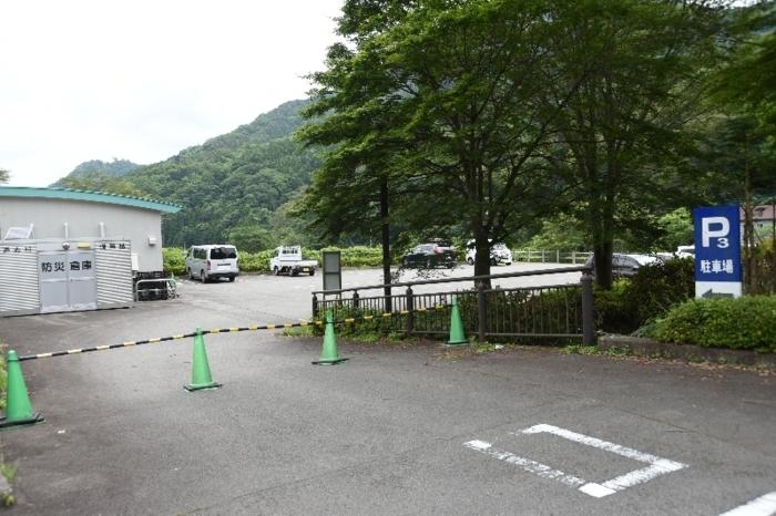 東京五輪自転車ロードレースの競技中継会場を予定していた道の駅どうしの第3駐車場=道志村