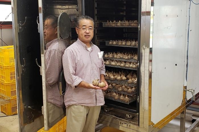 デイサービスの利用者に健康になってほしいと語る小俣雅彦さん
